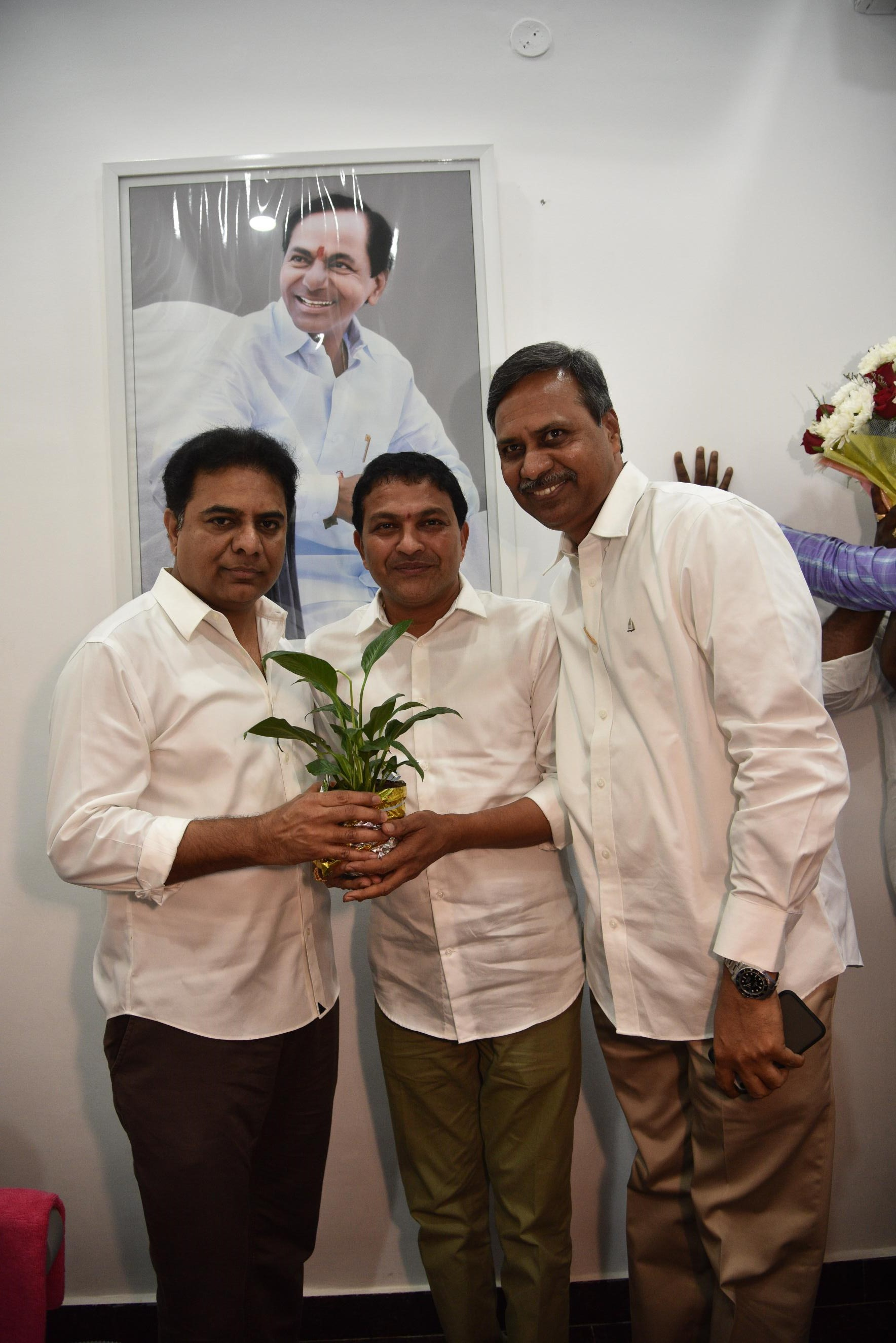 14. New Year Greetings to TRS Working President Sri KTR
