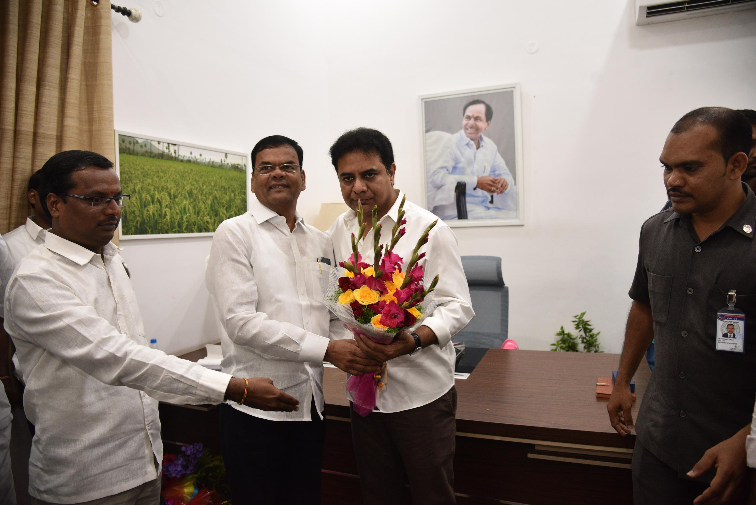 17. New Year Greetings to TRS Working President Sri KTR