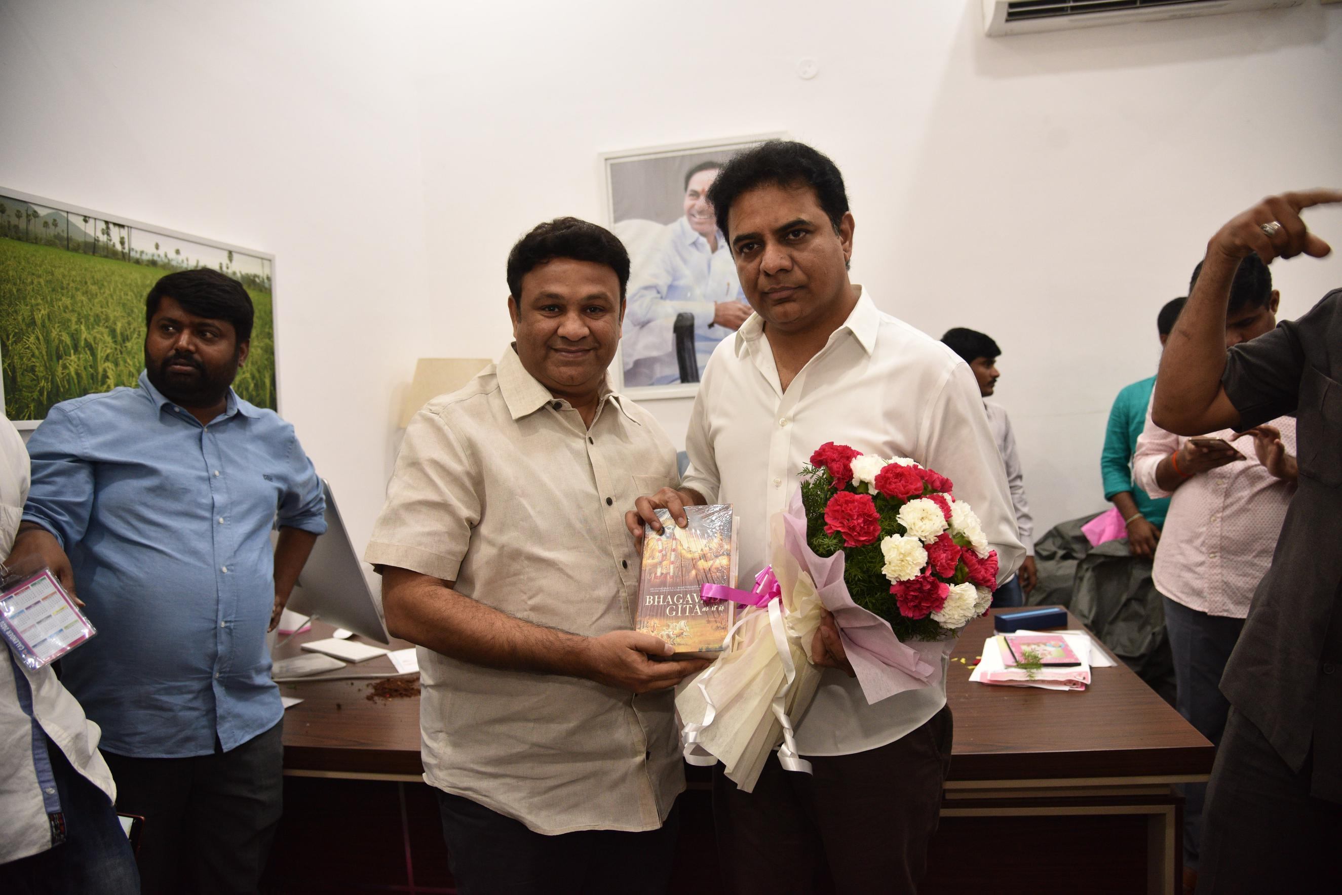19. New Year Greetings to TRS Working President Sri KTR