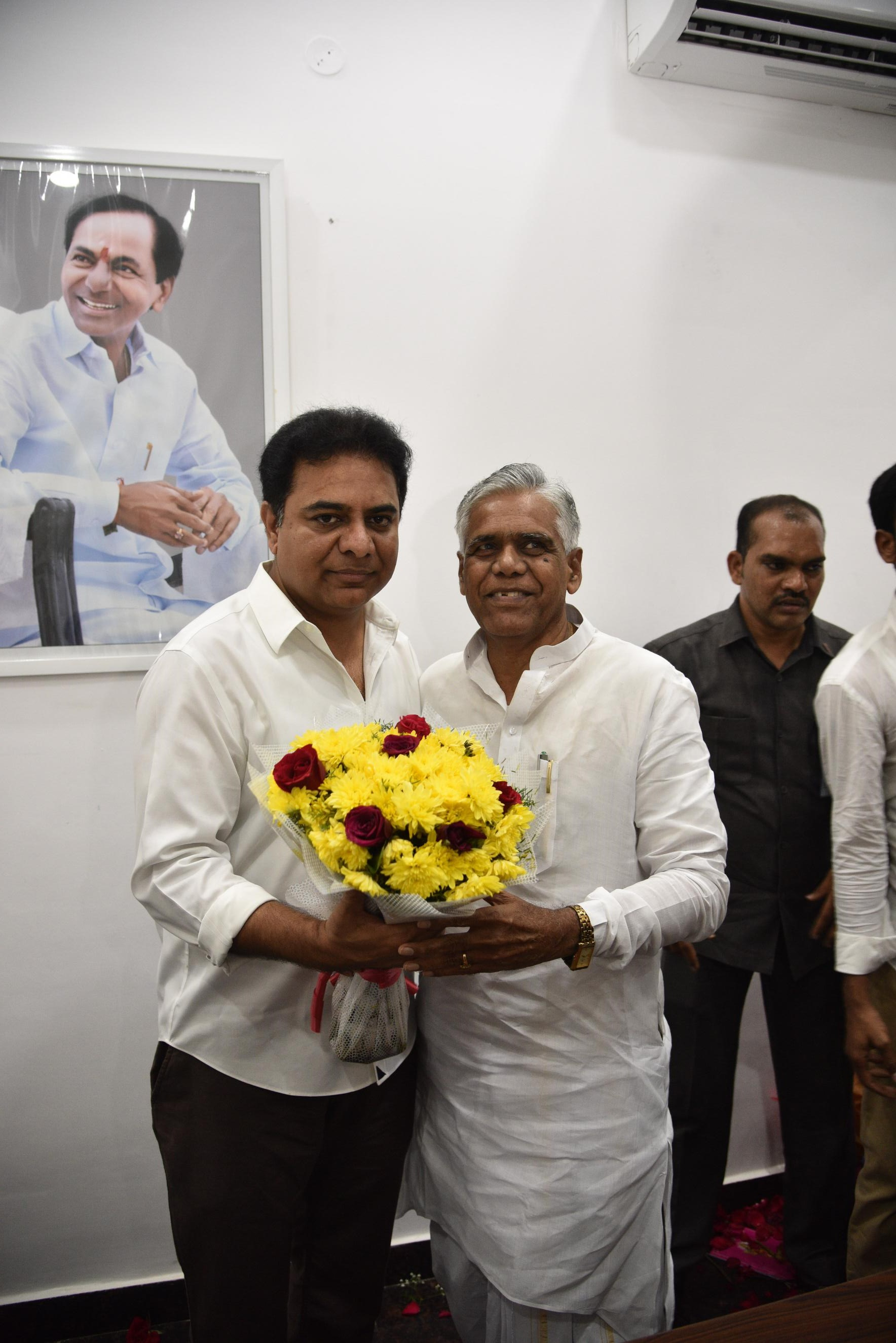 29. New Year Greetings to TRS Working President Sri KTR (35)