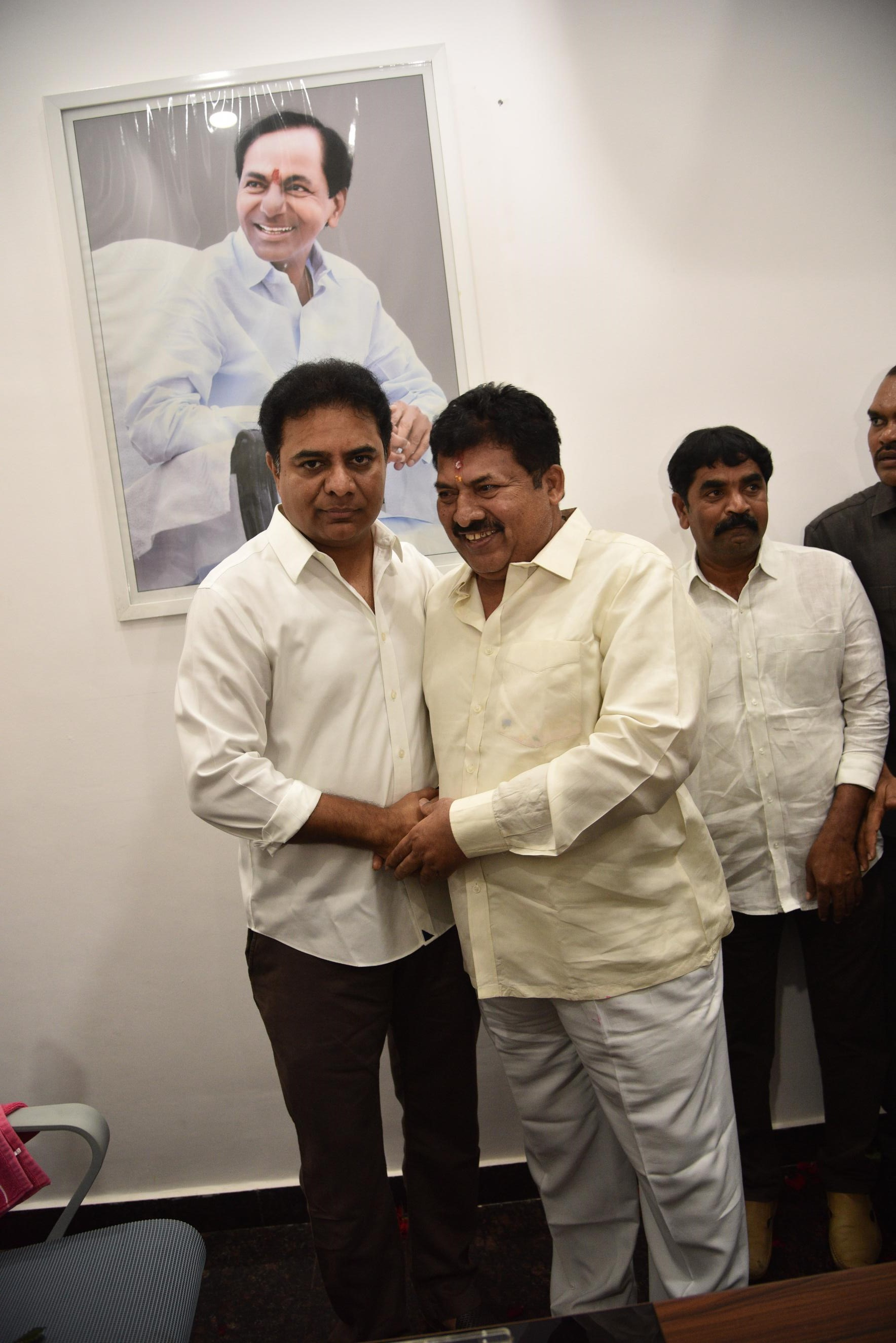 33. New Year Greetings to TRS Working President Sri KTR (40)